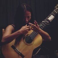Classical guitarist gives private lessons in Montreal ! Beginners or advanced, young or old, realize your true potential !