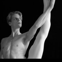 Classical / Modern Dance Teacher graduated from VAGANOVA ACADEMY gives private coaching course / / Stretch / Fitness / Pilate / Muscular reinforcement / relaxation