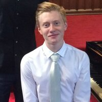 Classical pianist McGill student gives piano and music theory lessons in Montreal