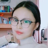 Communication and management student who speak French and English teach Mandarin in Ottawa