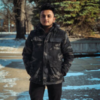 A computer science student willing to give math classes for school student in winnipeg