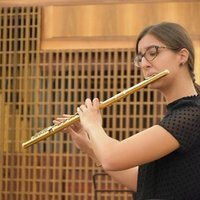 """Convince yourself of playing well and you will play well"". Flute teacher for basic and intermediate level lessons."