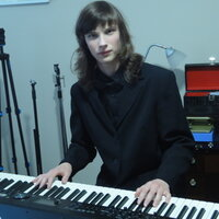 Experienced and professional piano teacher offering online lessons and in home lessons