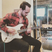 Experienced Guitar Teacher in Hamilton offering online and in person lessons for any level