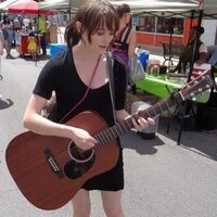 Female Music Industry Arts Grad teaches Guitar and Vocals in London Ontario