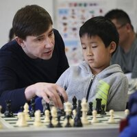 Four time winner of chess Olympiads and top-ranked chess player in Canada gives personal and online chess lessons