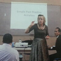 Internationally trained ESL teacher with 25 years experience gives classes for high school students.
