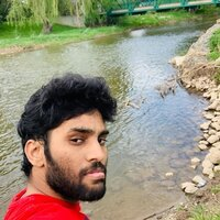 Masters student who can teach Maths,physics and computer languages(JAVA,PYTHON) ,also had 2 years of IT EXP