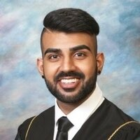 Medical Student offers Pharmacy lessons for university students in Abbotsford, British Columbia