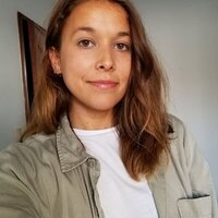 I'm a native frech speaking girl from Montréal and I could help you to perfect your french skills !