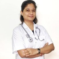 Physiotherapist giving tuitions to enhance your knowledge in this field of healthcare