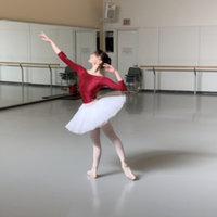 Professional Ballet Dancer Gives Fitness Course to Increase Strength and Flexibility for all Ages