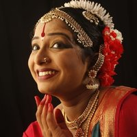 Sukanya takes Indian Classical (Bharatnatyam), Folk Dance (All India Folk), Jazz & Hip Hop
